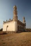 Moskee bij de Graven van Qutb Shahi stock afbeeldingen