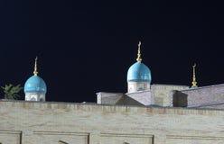 Moskee binnen bij nacht Royalty-vrije Stock Afbeeldingen