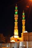 Moskee in de nacht in Verenigde Arabische Emiraten Stock Foto's