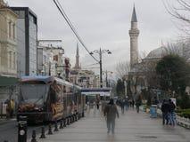 Moskee en tram Stock Afbeelding