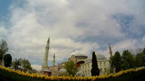 Moskee en wolken timelapse stock videobeelden