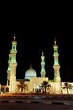 Moskee in nacht in Verenigde Arabische Emiraten Stock Afbeeldingen