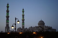 Moskee in schemering Royalty-vrije Stock Fotografie
