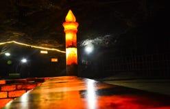 Moskee van zoute bakstenen binnen Khewra-mijn wordt gemaakt die Royalty-vrije Stock Fotografie
