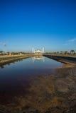 Moskeereflex op water, Thailand Stock Foto's