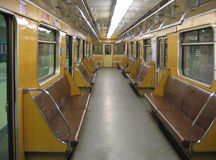 Moskou. Binnenland van een klassieke metroauto Stock Afbeeldingen