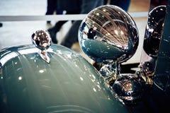 MOSKOU - BRENG 09, 2018 IN DE WAR: Packard Acht 1934 bij tentoonstelling Oldtim Royalty-vrije Stock Foto