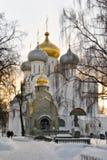 Moskou. Een daling in Novodevichij Monastyr stock fotografie