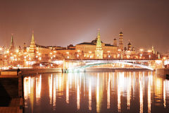 Moskou het Kremlin bij nacht Stock Fotografie