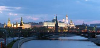 Moskou het Kremlin bij ochtend Royalty-vrije Stock Afbeeldingen