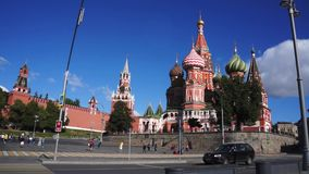 Moskou het Kremlin bij zonnige dag Rusland, Rood vierkant stock footage