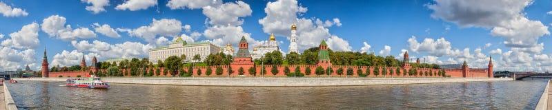 Moskou het Kremlin in de zomer Royalty-vrije Stock Afbeeldingen