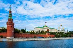 Moskou het Kremlin en de Rivier van Moskou royalty-vrije stock afbeeldingen
