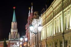 Moskou het Kremlin 's nachts,  Stock Foto's