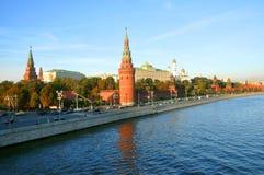 Moskou het Kremlin van de dijk van het Kremlin Stock Foto