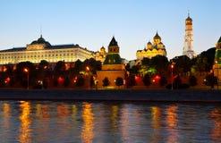 Moskou het Kremlin in zonsondergang Rusland Stock Foto
