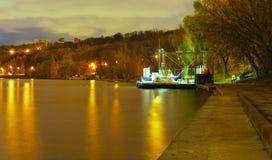 Moskou, nacht, rivier royalty-vrije stock afbeeldingen