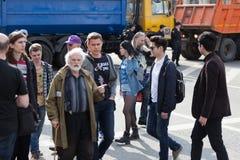 MOSKOU, RUSLAND - APRIL 30, 2018: De protesteerders verlaten de verzameling op Sakharov-Weg tegen het blokkeren van het Telegram  Royalty-vrije Stock Foto's