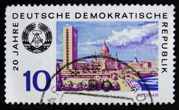 MOSKOU, RUSLAND - APRIL 2, 2017: Een postzegel in Ddr wordt gedrukt die (ger Stock Foto