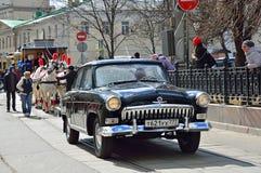 Moskou, Rusland, 15 April, 2017 Parade van trams op Chistoprudny-Boulevard Verrichting van de wagen de door paarden getrokken spo Stock Foto's