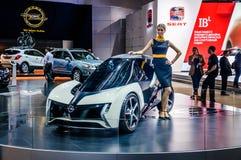 MOSKOU, RUSLAND - AUGUSTUS 2012: Het CONCEPT van OPEL RAK E als wereldpremière in 16de MIAS Moscow International Automobile Salon Royalty-vrije Stock Foto's