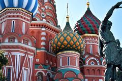 Moskou, Rusland - Augustus 17, 2018: St Basilicum` s Kathedraal op Rood Vierkant royalty-vrije stock afbeelding