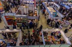Moskou, Rusland - Februari 25, 2017: Panoramische hoogste mening van het tentoonstellingspaviljoen die en in Rusland, VDNKh jagen Royalty-vrije Stock Afbeelding