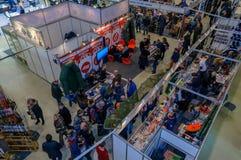 Moskou, Rusland - Februari 25, 2017: Panoramische hoogste mening van het tentoonstellingspaviljoen die en in Rusland, VDNKh jagen Royalty-vrije Stock Afbeeldingen