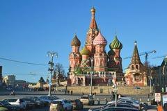 Moskou, Rusland - Februari 18 2016 St de Kathedraal van het basilicum op Rood vierkant stock afbeelding
