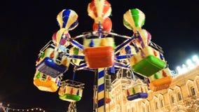 Moskou, Rusland - Januari 15, de Carrousel van 2015 bij markt stock video