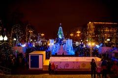 MOSKOU, RUSLAND - JANUARI 7, 2016: Kerstmisdecoratie in Moskou royalty-vrije stock afbeelding