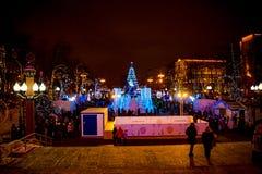 MOSKOU, RUSLAND - JANUARI 7, 2016: Kerstmisdecoratie in Moskou stock fotografie