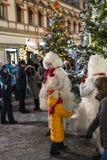 Moskou, Rusland - Januari 2 2019 vakantiegangen van Mica en gasten tijdens Kerstmisfestival De animators werken royalty-vrije stock afbeeldingen