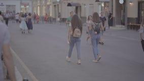 Moskou, Rusland, 28 Juni, de Wereldbeker Rusland van FIFA van 2018 2018 Ventilators van overal wereld is gelukkig samen te komen stock videobeelden