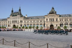Moskou, Rusland, kan 26, 2007 Russische scène: de wachten van het scheidingspaard in Moskou het Kremlin op het rode vierkant Royalty-vrije Stock Afbeelding