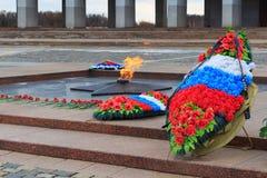 Moskou, Rusland - Maart 22, 2018: Eeuwige vlam op Poklonnaya-Heuvel in geheugen van de gevallen militairen in Wereldoorlog II stock afbeelding