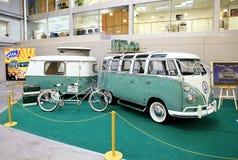 MOSKOU, RUSLAND - MAART 9: Het Retro reizen automobiel Volkswagen bij Royalty-vrije Stock Foto