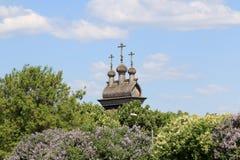 Moskou, Rusland - Mei 12, 2018: Bovenste gedeelte van de Kerk van St George Zegevierend in het Kolomenskoye-museum-Domein stock foto's