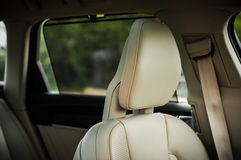 MOSKOU, RUSLAND - MEI 3, HET DWARSland VAN VOLVO VAN 2017 V90, BINNENLANDSE MENING Test van het nieuwe Dwarsland van Volvo V90 De Royalty-vrije Stock Afbeeldingen
