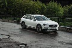 MOSKOU, RUSLAND - MEI 3, HET DWARSland VAN VOLVO VAN 2017 V90, VOOR-ZIJmening Test van het nieuwe Dwarsland van Volvo V90 Deze au Royalty-vrije Stock Afbeeldingen