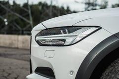 MOSKOU, RUSLAND - MEI 3, HET DWARSland VAN VOLVO VAN 2017 V90, VOOR-ZIJmening Test van het nieuwe Dwarsland van Volvo V90 Deze au Royalty-vrije Stock Foto
