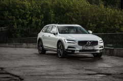 MOSKOU, RUSLAND - MEI 3, HET DWARSland VAN VOLVO VAN 2017 V90, VOOR-ZIJmening Test van het nieuwe Dwarsland van Volvo V90 Deze au Stock Afbeeldingen