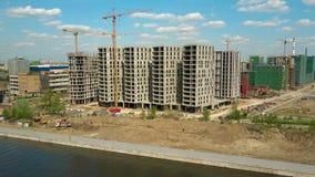 MOSKOU, RUSLAND - MEI, 24, 2017 Luchttijdtijdspanne van de moderne bouwwerf van flatgebouwenzilart Stock Foto's