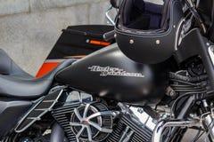 Moskou, Rusland - Mei 04, 2019: Tank van de steen de zwarte brandstof van Harley Davidson-motorfiets met embleemclose-up op een a stock foto