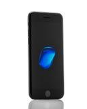 MOSKOU, RUSLAND - OKTOBER 18, 2016: Nieuwe zwarte iPhone 7 is slim Stock Fotografie