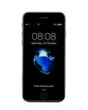 MOSKOU, RUSLAND - OKTOBER 22, 2016: Nieuwe zwarte iPhone 7 is slim Stock Fotografie
