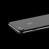 MOSKOU, RUSLAND - OKTOBER 22, 2016: Nieuwe zwarte iPhone 7 is slim Stock Afbeeldingen