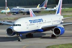 MOSKOU - SEPTEMBER 05: Vliegtuig in luchthaven Domodedovo Stock Fotografie