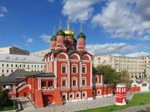 moskou Zaryadyepark Het panorama van de stad Znamenskykathedraal stock fotografie