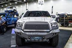MOSKVA - AUGUSTI 2016: Toyota tundra 4x4 som framläggas på MIAS Moscow International Automobile Salon på Augusti 20, 2016 i Moskv Arkivfoto